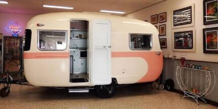 Wanted: WANTED: Old caravan for restoration project