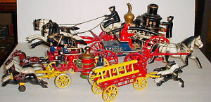 Antique Cast Iron 23 in Horse drawn Fire engine pump London Ontario image 2
