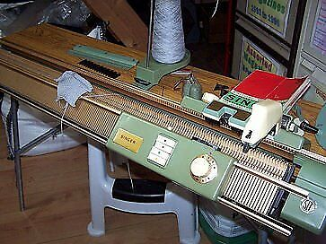 Vintage Singer Double Bed Knitting Machine | in Catford ...