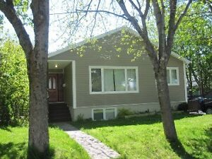 3 Bdrm H&L included. Near University and hospital