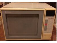 Hitachi White Microwave for Sale - £10