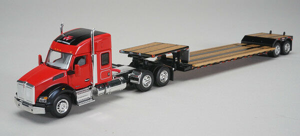 1/64 DCP Massey-Furguson - Kenworth T880 Sleeper Cab with Fontain Renegade Lowbo