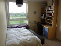 Double room to rent in a clean, refurbished flat close to OVAL and Kennington Tube Station