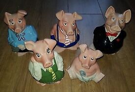 Full set of Wade NatWest pigs with original stoppers
