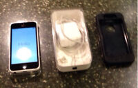 IPHONE 5C. BELL. WHITE. 8G. WITH WARRANTY.
