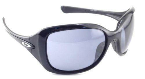 565767a37c Oakley Necessity  Clothing