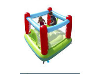 Airtech Pro bouncing castle with slide and pool, include 4 packs of balls