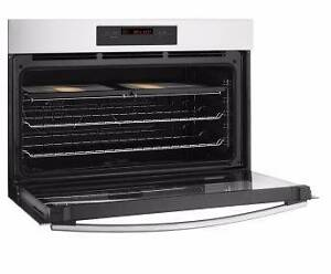Electrolux, 900cm Self cleaning Oven Niagara Park Gosford Area Preview