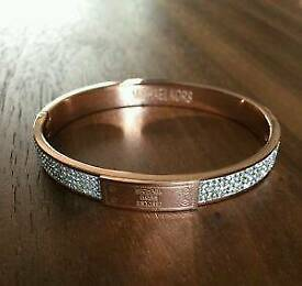 MICHAEL KORS BANGLE BRACELET