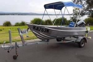 12 FT ALUMINIUM RUNABOUT - 8HP EVINRUDE MOTOR Eleebana Lake Macquarie Area Preview