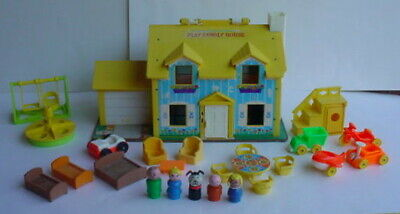 1969 Fisher Price Little People 952 Play Family House w/ staircase Little Riders