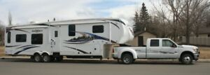 RV TRAILER TOWING 5th WHEEL, TRAVEL TRAILER AND BOATS