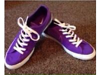 Nike casual trainers Unisex Size 8 UK purple Excellent condition.