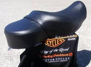 HARLEY DAVIDSON SPORTSTER OEM 'SUNDOWNER' TOURING SEAT Darch Wanneroo Area Preview