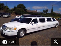 Lincolin town car breaking limo limousine