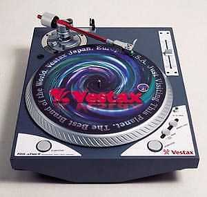 VESTAX A2S TURNTABLES 2