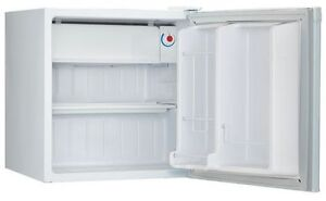 Compact Danby .6 cu ft compact fridge-Lightly Used $40