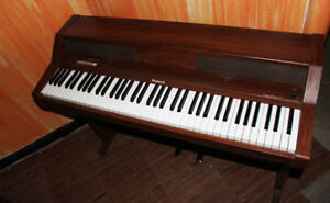 roland HP300 electronic piano