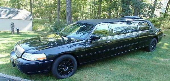 Image 1 Limousine Lincoln Town Car 2004