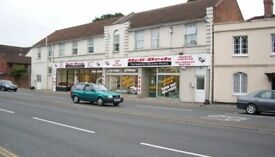 3,100 SQ/FT RETAIL SPACE FOR RENT, GREAT LOCATION, PASSING TRAFFIC
