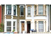 3 bedroom flat in Brownlow Road, Roundwood, NW10