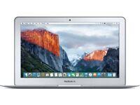 Apple MacBook Air 11-inch 2015 Model 1.6 -I5 4GB 120GB mint condition