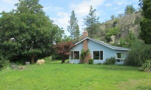 2 bdrm 1bath one level home with pleasant mountain & Skaha view