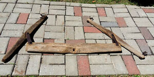 Antique Agricultural Harness   ---Pierrefonds H8Z1W8---