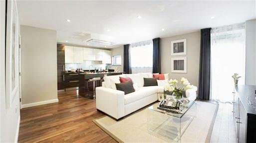 2 BED IN POPLAR FOR UNDER £1600 PCM - ROOF TERRACE - GREAT VIEWS - DOUBLE ROOMS