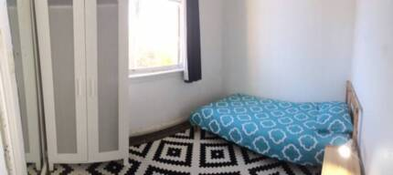 GREAT ROOM AVAILABLE IN ROZELLE! RENT INCLUDES ALL BILLS Rozelle Leichhardt Area Preview