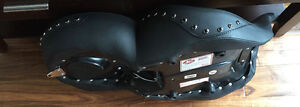 Mustang Regal One-Piece Studded Seat in Original Box Cambridge Kitchener Area image 4