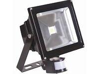 30 W LED PIR Floodlight New Boxed Not needed Light Lamp Garden Shed Flood