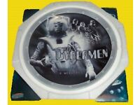 LIMITED EDITION COLLECTORS PLATE - CYBERMEN