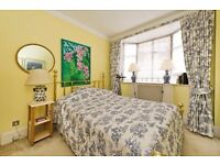 QUITE, SUNNY double room, + large livingroom and a balconey in Parsons Green Fulham