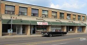 870 Square Feet of Commercial Store Front for Lease!