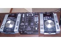 cdj 200 djm 400 in prefect condition with a stand