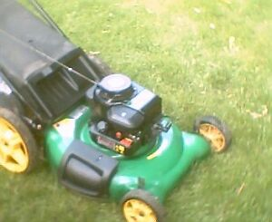 """Weedeater 4.5hp 21"""" lawnmower with bag"""