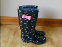 Girl's wellington boots