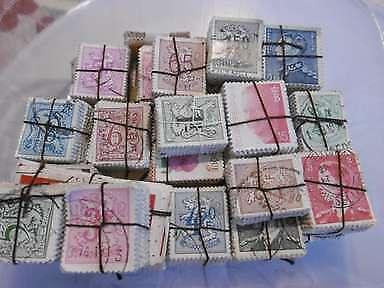 3.525 timbres de Belgique en bottes