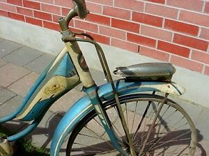 Antique 1950s Columbia Superb balloon tire bicycle London Ontario image 5