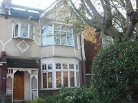 3 double bedroom apartment in furzedown, don't miss out !