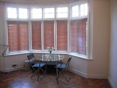 TOOTING - 2 bedroom flat with Garden - opposite Sainsburys