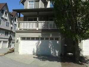 South Surrey three bedroom 1520 sqf townhouse for sale