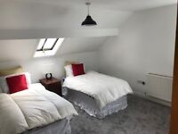 **ATTENTION MATURE STUDENTS, COUPLES & PROFESSIONALS** IN TOWN - STUNNING 2 BEDROOM FLAT INC BILLS