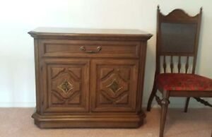 Krug Oak dinning room suite in absolute mint condition Williams Lake Cariboo Area image 2