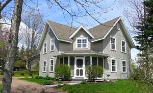 Family Home with heated in-ground pool - Dieppe - Moncton