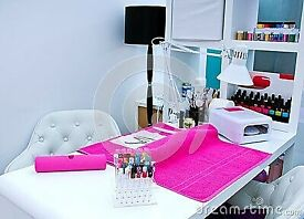 Nail station for rent