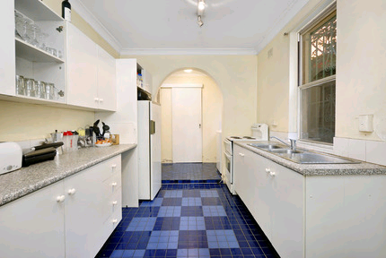 One big room in Pyrmont for rent.