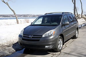 Toyota Sienna 2005 Limited XLE 3.3 L. Traction intégrale,