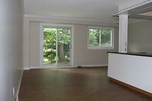 Centrally Located Waterloo 3 Bedroom with Inlaw Suite Kitchener / Waterloo Kitchener Area image 2